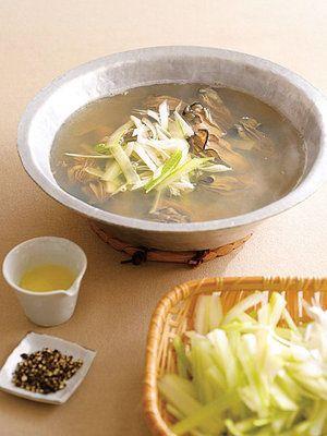 寒い日に体を温める、料亭風の鍋料理 『ELLE a table』はおしゃれで簡単なレシピが満載!