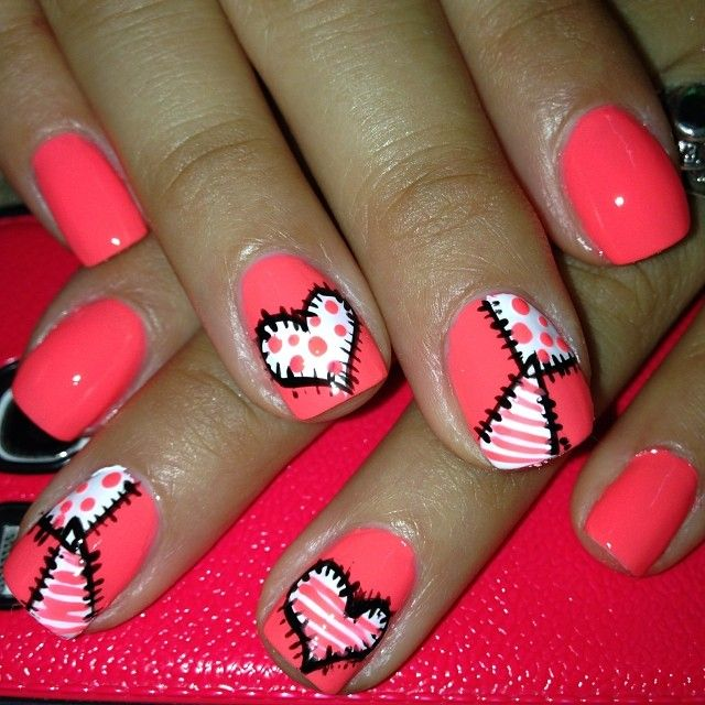 I Don T Like The Color Of The Nails But I Like The Patchy Hearts Nail Ideas Valentine S