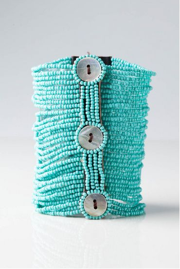 You'll be sure to stand out this fall with our Pamoja Unity Bracelet in mint matte or lavender—a fresh take on an Artisans classic.