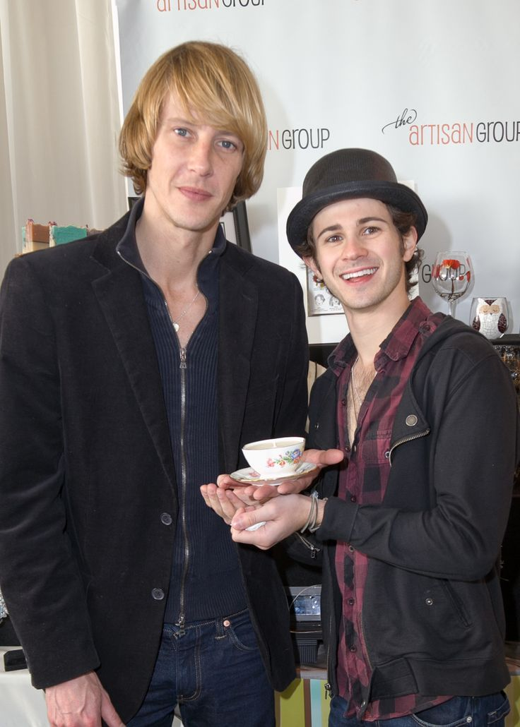 "Gabriel Mann and Connor Paolo of ""Revenge"" and Barefoot Bath and Body.Connor Paolo, Gift Lounges, Celebrities Receiving, Golden Globes, Globes Gift, Gift 2012, 2012 Golden, Gabriel Mann, Barefoot Bath"