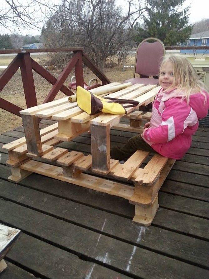 diy-pallet-picnic-table-images
