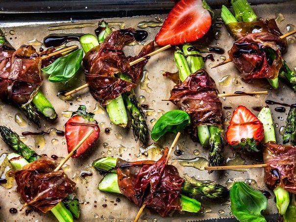 Ovnsbakte asparges med skinke | Oppskrift | Meny.no