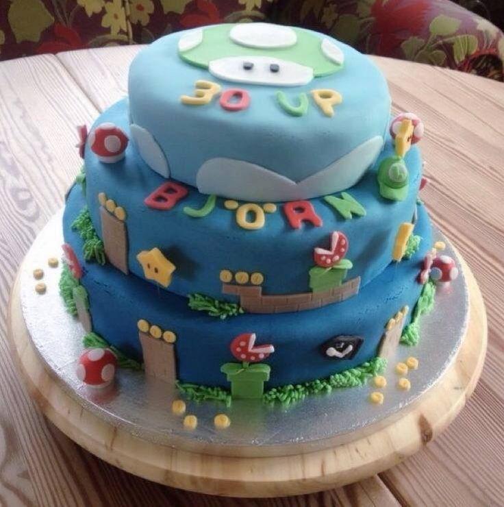 Eine dreistöckige Torte zum 30. Geburtstag mal anders! Wir können nur vermuten, dass es sich bei Björn um einen verspielten SUPER MARIO Begeisterten handelt. Habt Ihr schon unsere PushPan Backform ausprobiert? Dank des herausnehmbaren Bodens lässt sich der gebackene Kuchen oder die fertig eingesetzte Torte herausnehmen.  http://www.tolletorten.com/advanced_search_result.php?keywords=push+pan&x=0&y=0…