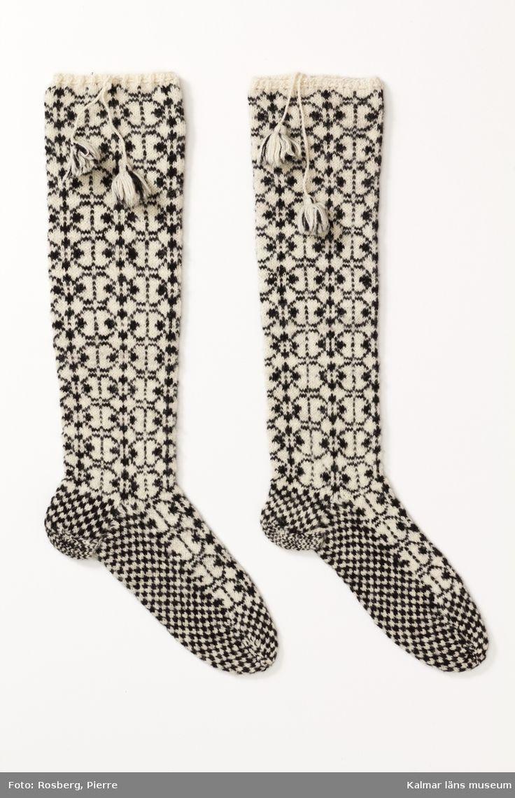 Stickade mönstrade strumpor från Kalmar eller Öland.