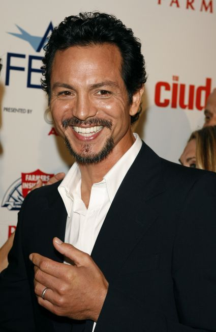 Benjamin Bratt becomes better looking with age!