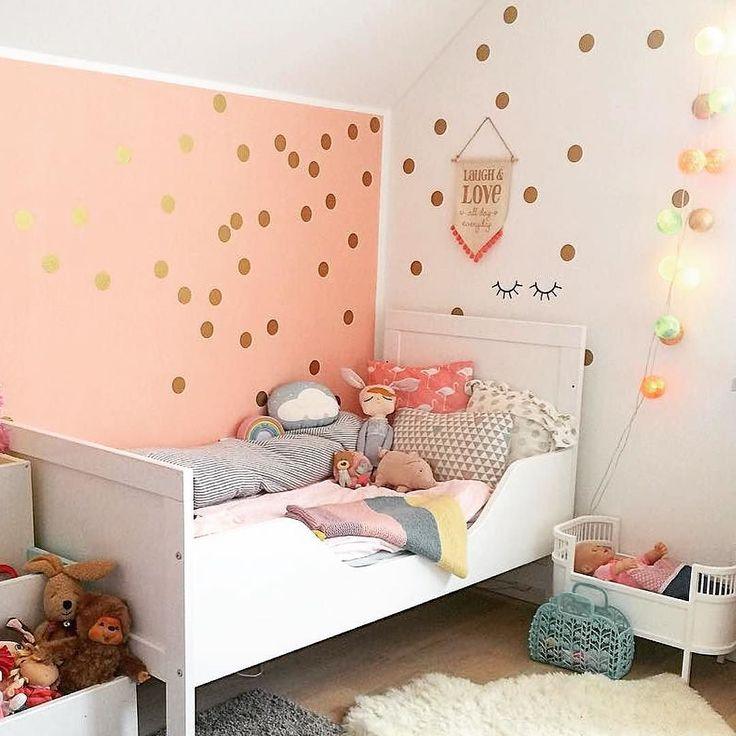 Superb Wir lieben dieses Kinderzimmer der lieben jimmy and mrbear mit Konfetti und unserer goodmoods Lichterkette an der Wand