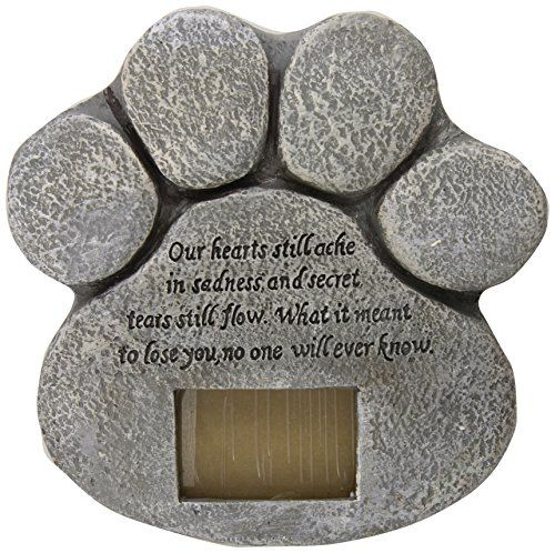 Aus der Kategorie Gedenksteine  gibt es, zum Preis von EUR 25,30  Create a touching garden tribute to a faithful pet;Customizable with a 2 x 3 photo of your special companion;Beautifully crafted, stone-like paw print design;Weatherproof resin;Measures 8 3/4 x 8 3/4