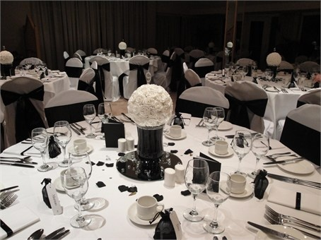 Black And White Themed Wedding Decor