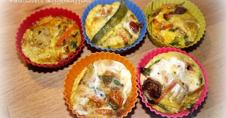 Æggemuffins er en life-safer når man skal leve det travle liv med dejlige blodsukker stabiliserende Paleokost.   Jeg har efterhånden henv...