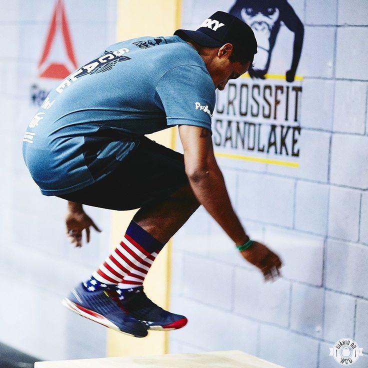 Vamos pular no @konggames_! Momentos do box jump over!  #konggames #diariodowod #diarionokong #crossfit #kingfortraining #reebookbrasil