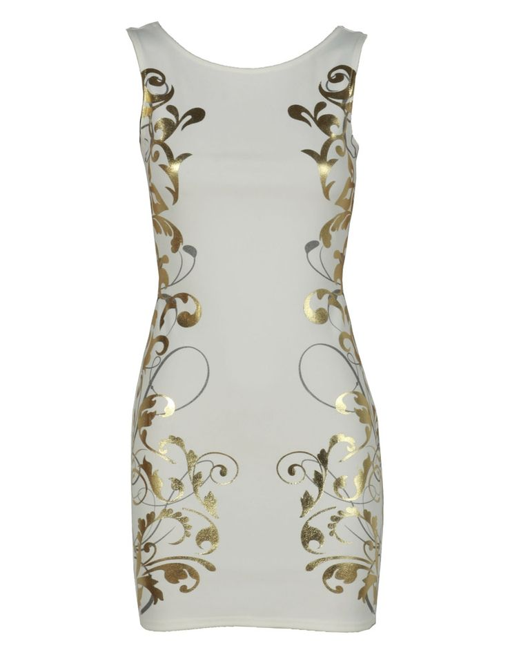 White and gold has always been one of my favourite colour combinations and it works quite well with the baroque trend- as shown in this little number!