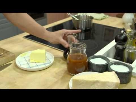 Mitt Kök: Tommy Myllymäki lagar hel kyckling med smörbakad blomkål - TV4 - YouTube