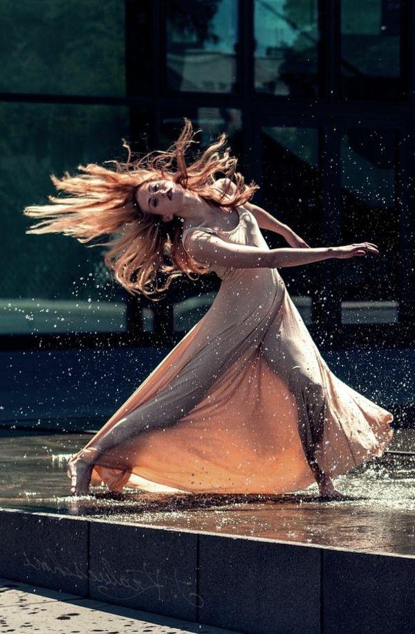 tenue de danse moderne, une robe longue magnifique