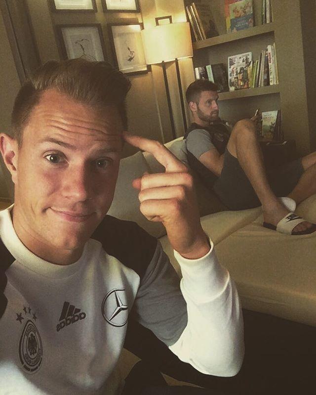 Pin for Later: Hier findet ihr die deutsche Fußballmannschaft auf Instagram Marc-Andre ter Stegen