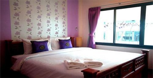 61 my place @ surat Guestroom