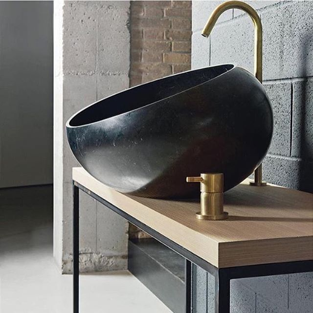 Amazing sink -  INSPIRATION -  DESIGN I LIKE #CASACHRISTINA #design #fashion #furniture #architecture #interior #house #office #bathroom #light #lamps #texture #fabric #ceramic #copenhagen #classic #interior-design #design #modern #chairs #tables #kitchen #pool #wood #glass #steel #scandinavian-design  #color #wall-paper #restaurants #leather