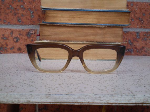 These superb two tone vintage spectacle frames are just too good to miss out on. They are a cola brown colour, which fades to a lighter shade