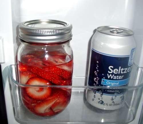 DIY strawberry vodka | Food & Drink that I love | Pinterest