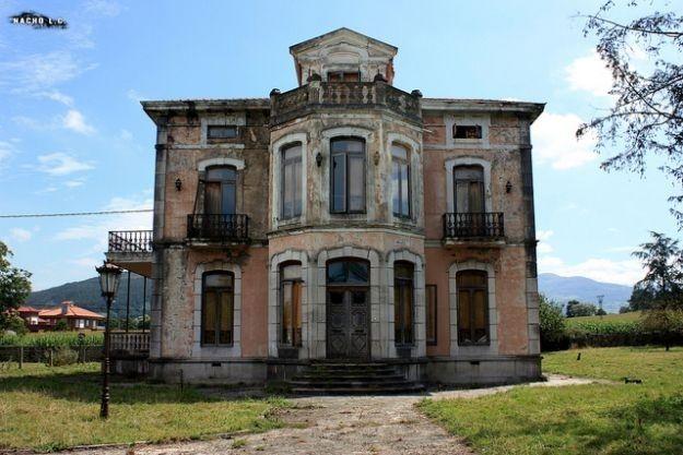 Abandoned Nineteenth Century Mansion, Santa María de Cayón, Cantabria, Spain   7 Haunting Abandoned Mansions