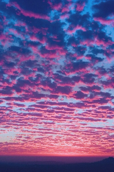 awesome purple clouds  -Sarah: Amazing, Clouds, Sky, Nature, Purple, Color, Sunset, Pink, Photography