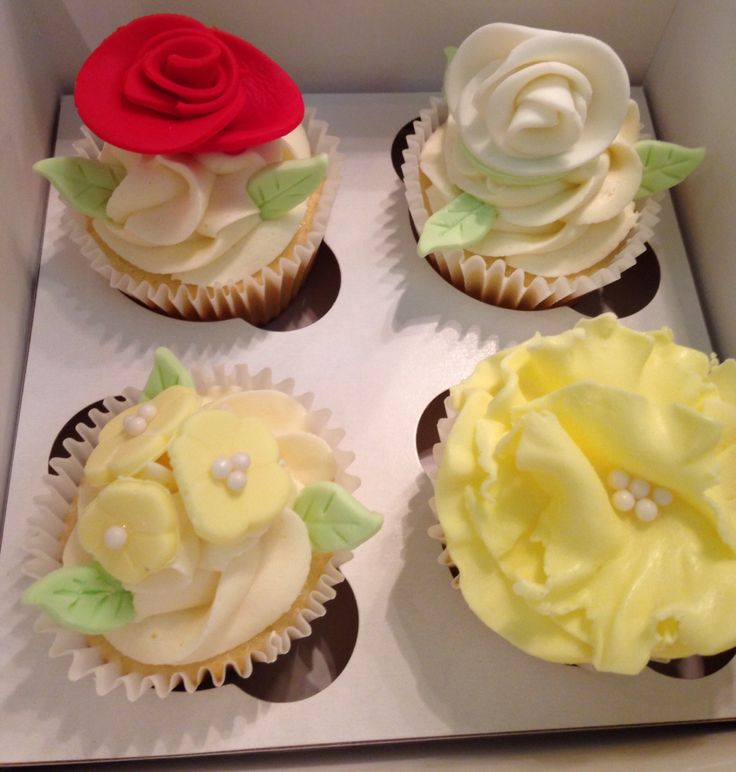Happy Mother's Day Cupcakes - fondant flowers
