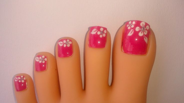 Cute Toenail Polish Designs | This one is a very easy design. I only used polishes, a dotting tool ...