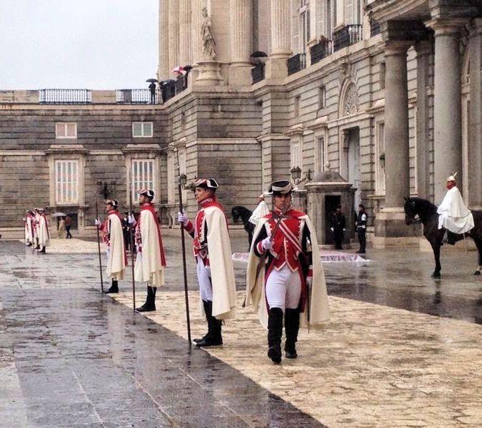 Guardia en el Palacio Real de Madrid