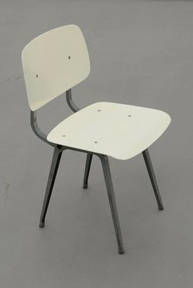Friso Kramer 'Revolt' chair in white