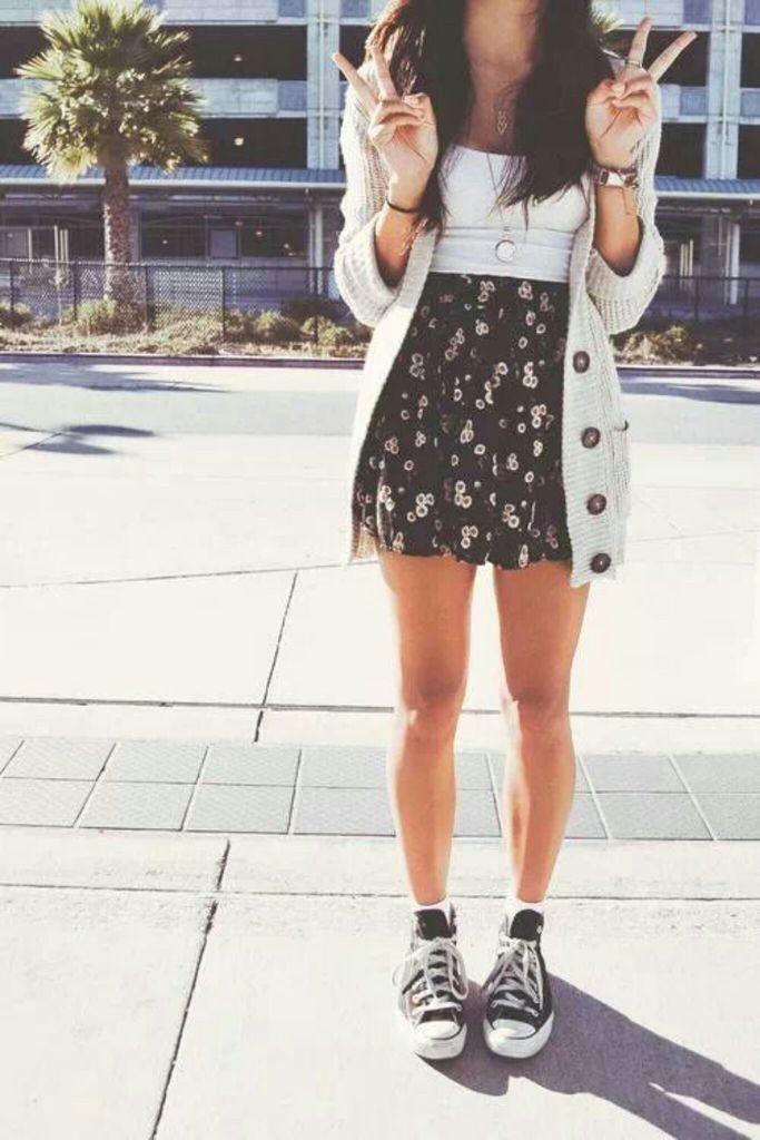outfit falda y sueter                                                                                                                                                                                 Más