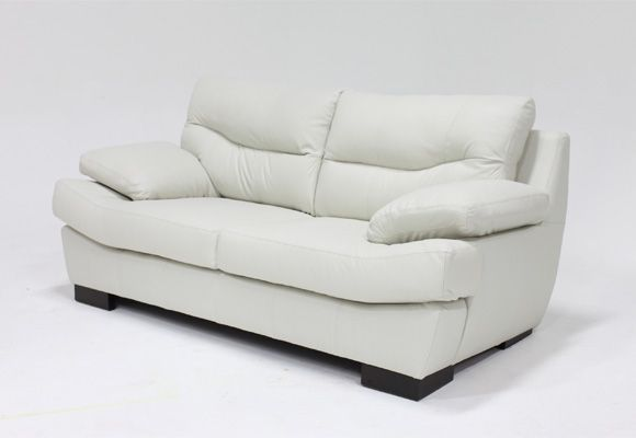 Products silver and sofas on pinterest - Precios tapizar sofa ...