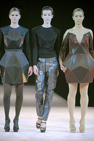 Geometric Fashion - innovative dress designs with a faceted 3D structure…