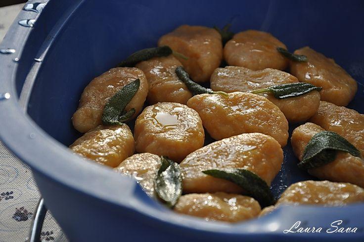 Gnocchi de dovleac in unt aromat