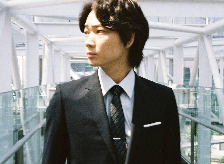 今日も明日も困難に直面しても、それでも私は夢を見続ける。綾野剛 Go Ayano