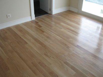 pisos laminados de madeira marrom claro