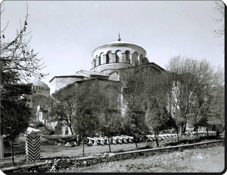Aya İrini Kilisesi dıştan görünüm (1930'lar) #Sultanahmet #istanbul #istanlook