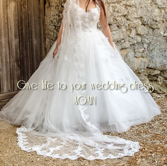Beautiful artistic photos in your wedding dress again, offer for after wedding photo session.