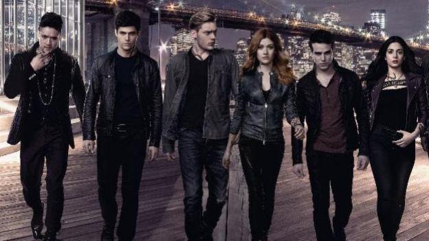 shadowhunters  2 temporada  | OMG! 'Shadowhunters' tendr una tercera temporada
