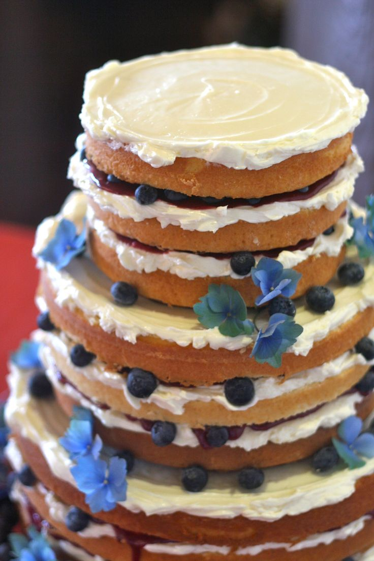 how to stack victoria sponge wedding cake blueberries blackberry curd vanilla buttercream and 16176