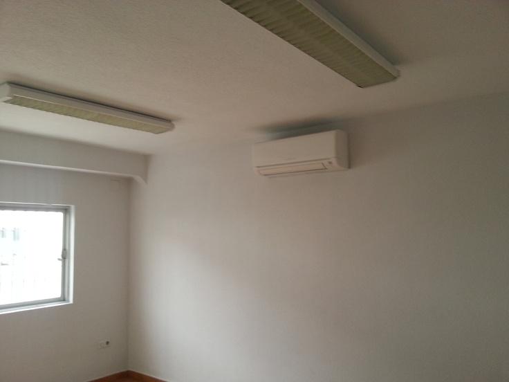 http://domoelectra.com/tiendaonline/climatizacion-aire-acondicionado ayer terminamos la instalación de tres máquinas de aire Mitsubishi inverter clase A :)