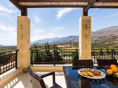 Rethymno villa rental - Have your breakfast at the veranda!