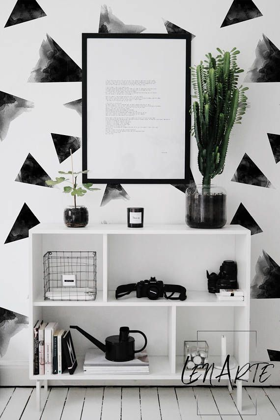 Black&White Triangles- Removable Wallpaper- Peel And stick- Modern Pattern- Geometric Wallpaper – Minimalistic- Self adhesive- Reusable- 20