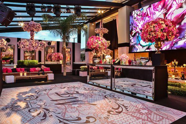15 anos: a festa romântica da Maria Eduarda, em São Paulo. Decoração em rosa e pink. O príncipe da noite foi o ator Guilherme Leicam