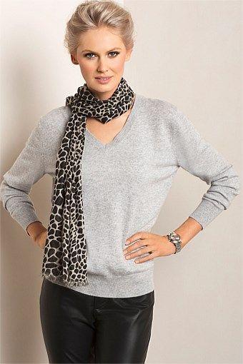 Women's Tops - Grace Hill Cashmere Blend Slouchy V Neck. Size S fits best. Very soft. $129. 50% merino 50% cashmere.