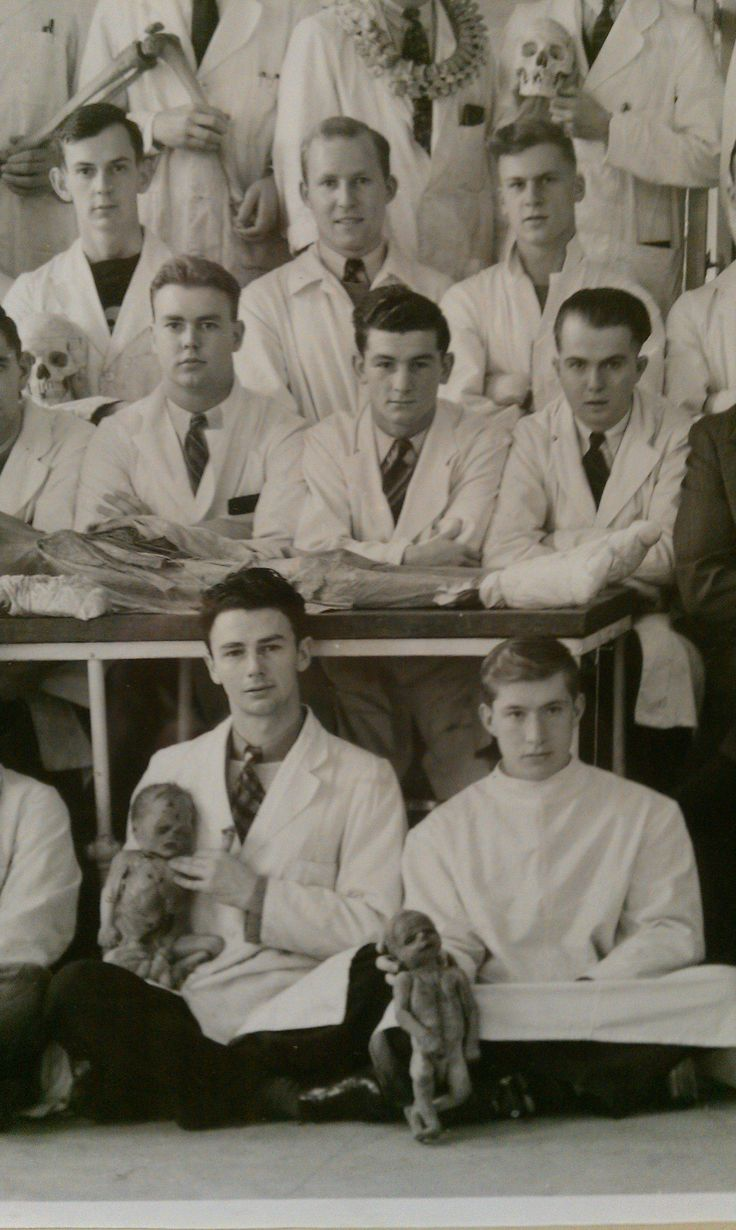 Found this at my university: School of medicine graduating class in the 1940s - Imgur
