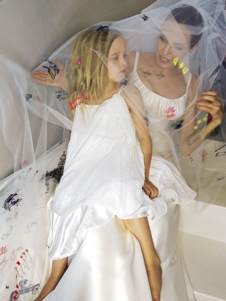 Pin By I Don T Care On Celebrities Angelina Jolie Wedding Wedding Dresses Angelina Jolie Pictures