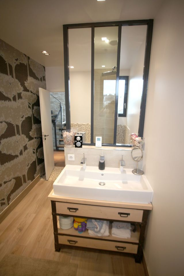 47 best sdb images on pinterest bathroom small for Salle de bain 6m2