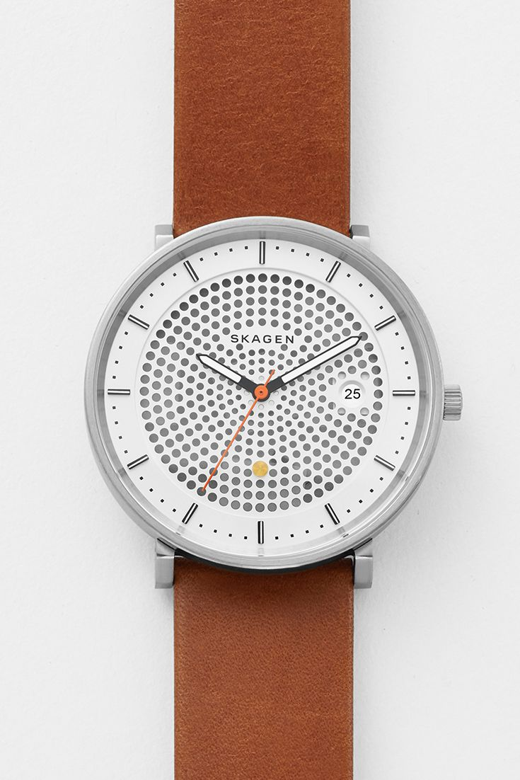 As efficient as it is refined, this Hald operates on solar power. The perforations on the dial act as windows, allowing light to reach the solar cell underneath and recharge the battery In addition to linear indexes and three-hand movement, the dial bears a golden solar insignia. This watch will operate steadily with daily exposure to light, with a fully charged battery running for up to six months.