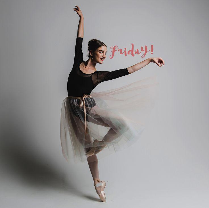 Ничто не сравнится с пятницей! Nothing compares to friday! Charming @joy.womack in our midi skirt. Photo 📷 by @unholy__unicorn  #balletmaniacs #balletwear #tutu #balletbeautifulgirls #ballerinasday #balletphoto #worldwideballet #ballerina #dance #onpointe #tulleskirt #pointeshoes #fridayfeeling #fashion #ballet