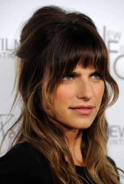 Stunning bangs and all a la Lake Bell - well done!
