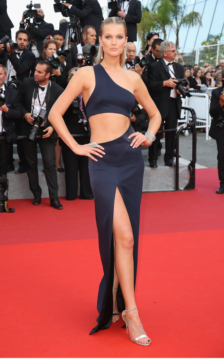 Least Willing to Waste Prime Sun Time: Toni Garrn Those abs aren't going to tan themselves!